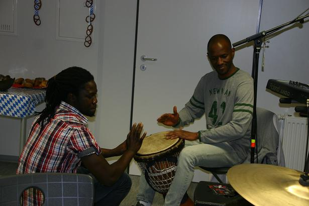 Kreiskulturtage: Djembe-Master Louis Cisse und Bamba Sangare