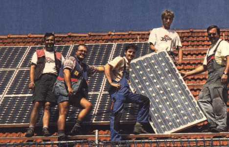 Solardach Alling - Handwerker auf dem Dach